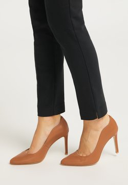 DreiMaster - High Heel Pumps - cognac
