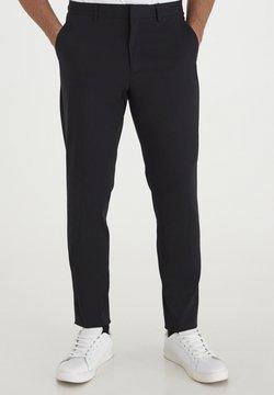 Casual Friday - Pantaloni - black