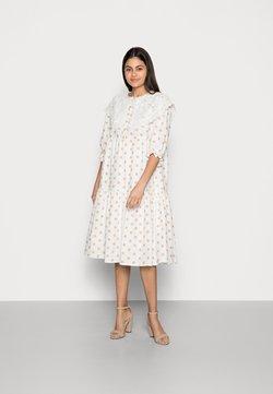 Love Copenhagen - DOTTA DRESS - Paitamekko - white