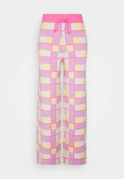 Olivia Rubin - ISOBEL - Tracksuit bottoms - pink