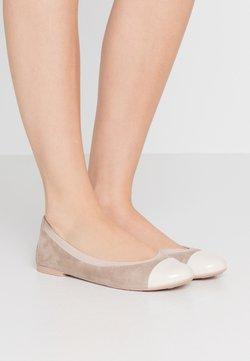 Pretty Ballerinas - SHADE ANGELIS - Ballet pumps - offwhite/safari