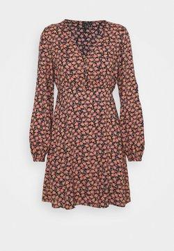 Vero Moda Petite - VMMILDA SHORT DRESS - Vestito estivo - black/spieced coral