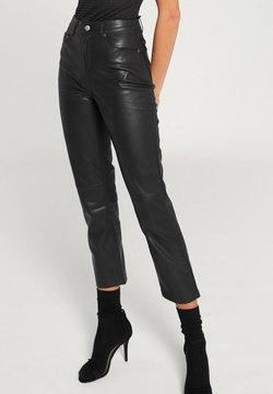 EDITED - MARESA - Pantalon classique - black
