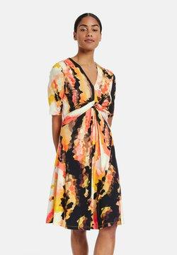 Taifun - Sukienka letnia - papaya gemustert