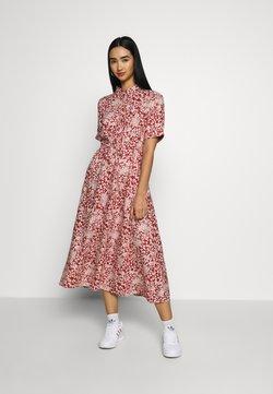 Pieces - PCANGILICA - Shirt dress - chili oil/boho flowers