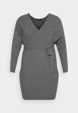Vero Moda Curve - VMREM DRESS CURVE - Strikkjoler - medium grey melange