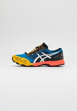 ASICS - FUJITRABUCO SKY - Zapatillas de trail running - directoire blue/white