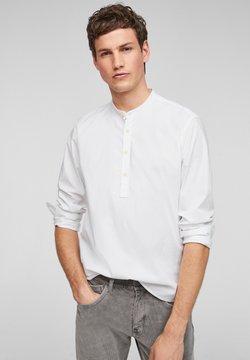 s.Oliver - MIT STEHKRAGEN - Hemd - white