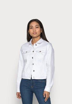 Vero Moda Petite - VMHOT SOYA JACKET - Chaqueta vaquera - bright white