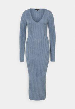 Missguided - FLUFFY MIDAXI DRESS - Vestido de punto - blue