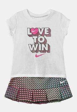 Nike Sportswear - PIXEL POP SCOOTER SET - A-lijn rok - black