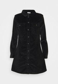Noisy May Petite - NMLISA BUTTON DRESS - Freizeitkleid - black