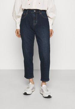 GAP Petite - RINSE HADLEY - Straight leg jeans - rinsed