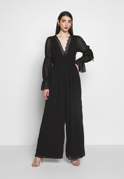 Missguided - PLUNGE LACE RUCHED BELTED JUMPSUIT - Combinaison - black