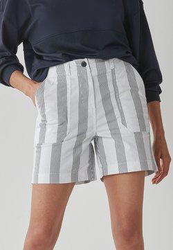 Next - UTILITY BOY - Shorts - white