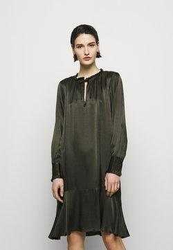 Bruuns Bazaar - BAUME ESTE DRESS - Cocktail dress / Party dress - green night