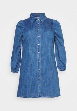 ONLY Carmakoma - CARONTAN LIFE KNEE DRESS - Jeanskleid - dark blue denim