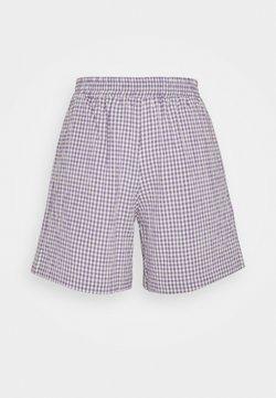Moves - PYNNA - Shorts - lavender