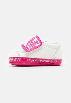 Emporio Armani - Chaussons pour bébé - white