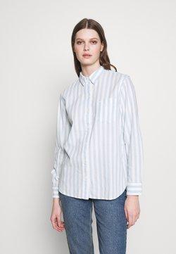 Levi's® - THE ULTIMATE - Skjorta - white/light blue