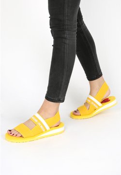 Love Moschino - SANDALE LOVE MOSCHINO YELLOW - Sandalen - gelb