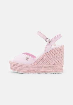 Calvin Klein Jeans - WEDGE ANKLE STRAP  - Korkeakorkoiset sandaalit - pearly pink