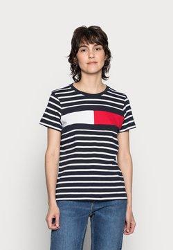 Tommy Hilfiger - TEE REGULAR FIT FLAG - T-Shirt print - classic brenton/sky