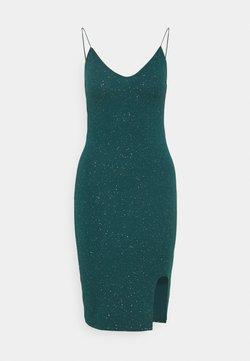 Nly by Nelly - BOMBSHELL SPARKLE DRESS - Vestido de cóctel - green
