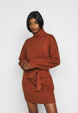 Fashion Union Petite - LEOTI - Gebreide jurk - brown