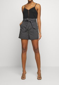 Vero Moda - VMEVA PAPERBAG  - Shorts - phantom