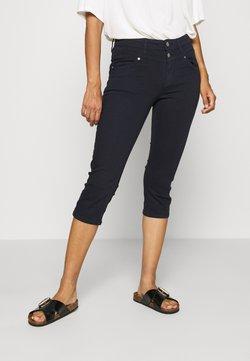 s.Oliver - HOSE - Jeans Shorts - blue denim stretch