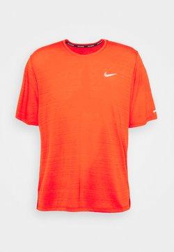Nike Performance - MILER  - Camiseta básica - chile red