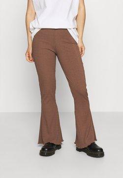 Gina Tricot Petite - ABBIE TROUSERS - Pantalones - friar brown