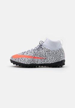 Nike Performance - MERCURIAL 7 ACADEMY CR7 TF - Fotballsko for kunstgress - white/total orange/black