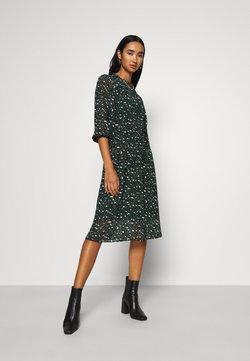 Vero Moda - VMSAFFRON DRESS - Freizeitkleid - pine grove