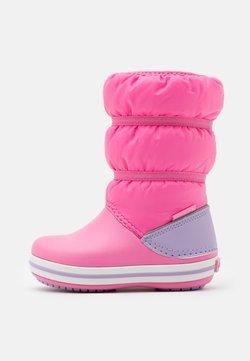 Crocs - CROCBAND WINTER - Talvisaappaat - pink lemonade/lavender