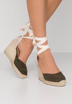Castañer - CARINA  - Korolliset sandaalit - verde musgo