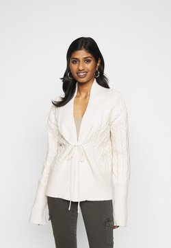 Fashion Union Petite - IVY - Vest - cream