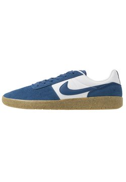 Nike SB - TEAM CLASSIC - Sneaker low - particle grey/forest green/white/light brown