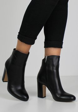 Evita - CARLA - High Heel Stiefelette - black