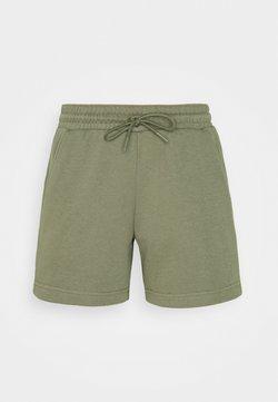 Columbia - LOGO™ II SHORT - Sports shorts - stone green