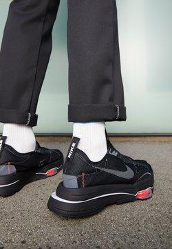 Nike Sportswear - AIR ZOOM TYPE UNISEX - Sneakers laag - black/dark grey/bright crimson/white