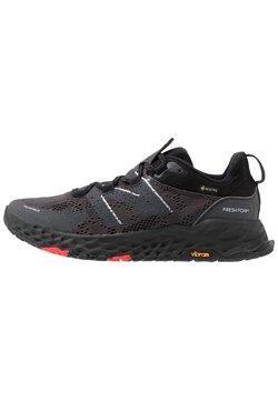 New Balance - FRESH FOAM HIERRO V5 - Zapatillas de trail running - black