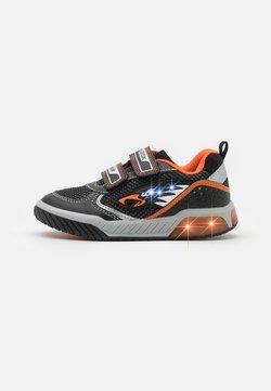 Geox - INEK BOY - Sneaker low - black/orange