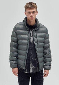 PULL&BEAR - Winterjacke - khaki