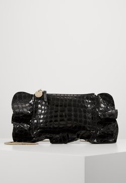 Red V - CROCO RUFFLE WALLET ON CHAIN - Torba na ramię - nero