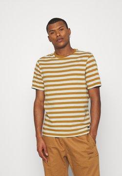 Scotch & Soda - CLASSIC CREWNECK STRIPE TEE - T-Shirt print - light green/brown