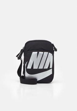 Nike Sportswear - HERITAGE 2.0 UNISEX - Sac bandoulière - black/metallic silver
