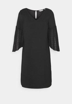 NAF NAF - LENISSOU  - Korte jurk - noir