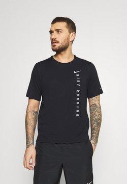 Nike Performance - MILER HYBRID - T-shirt imprimé - black/silver